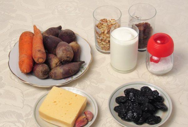 Продукты для салата «Любовница» на столе