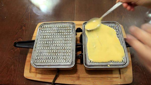 Выпечка кукурузных вафель
