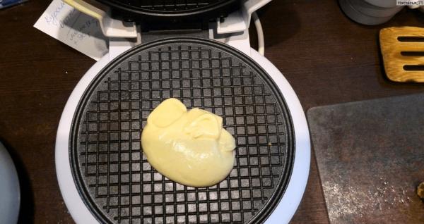 Вафельница и тесто для вафель
