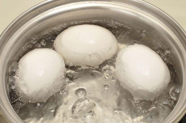 Варка трёх яиц
