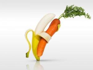 Банан и морковь танцуют