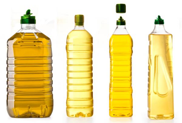 Масло, разлитое в разные бутылки