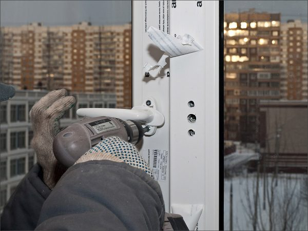 регулировка ручки пластиковой балконной двери