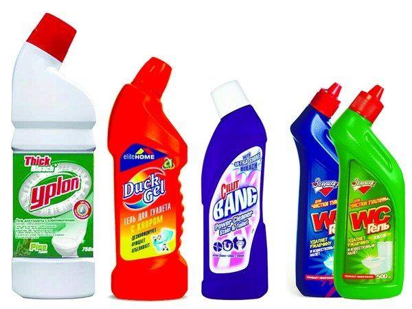 5 флаконов с химическими чистящими средствами