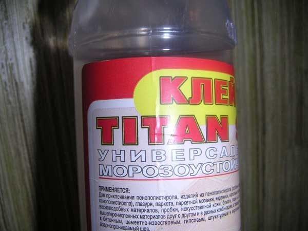 Флакон с клеем Титан
