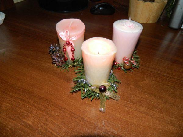 Самодельные свечи с новогодним декором