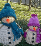 Снеговики из ивовых прутьев