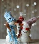 снеговики из папье-маше