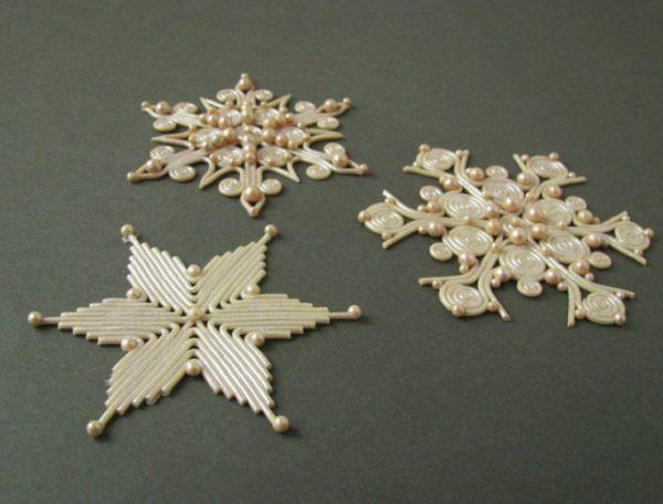 Снежинки из глины