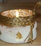 Подсвечник из банки, декорированный солью и золотой нитью