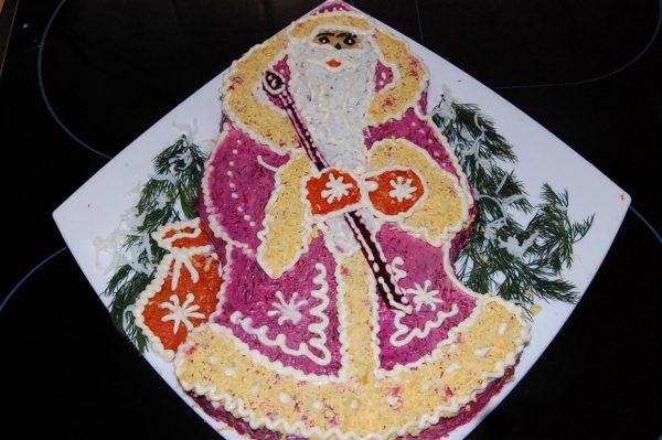Салат в виде деда Мороза