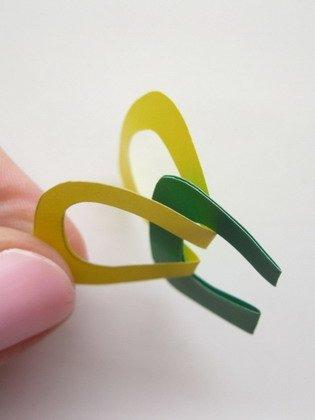 Гирлянда из бумаги: соединение двух деталей