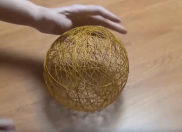 Как сделать шар из ниток: результат работы
