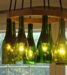 Потолочный светильник из бутылок