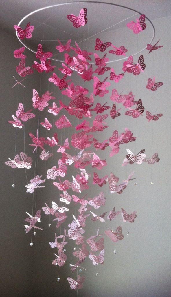 Люстра из бумажных бабочек