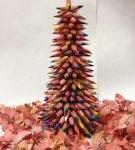 Ёлочка из цветных карандашей