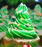 Пирожное с кремом в виде новогодней ёлочки