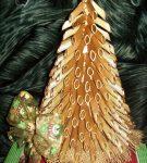 Золотая ёлочка из макарон