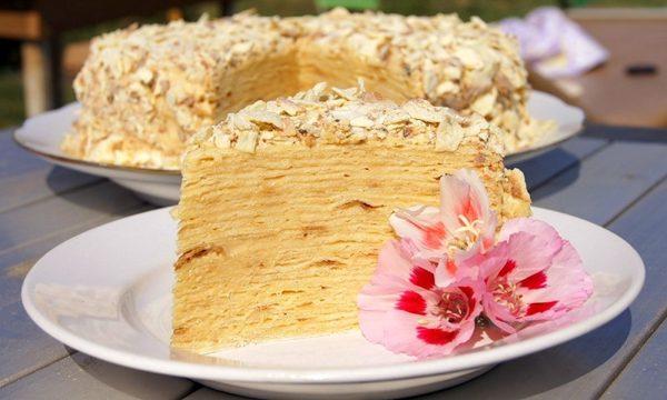 Готовый торт «Наполеон» из лаваша