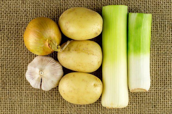 Картофель, лук и чеснок
