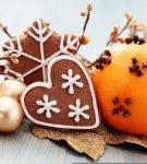Новогодняя композиция из апельсина и гвоздики
