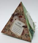 Календарь-пирамида