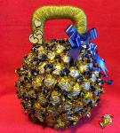 Оформление сладкого подарка «Гиря»