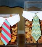 Оформление сладкого подарка «Печеньки в галстуках»