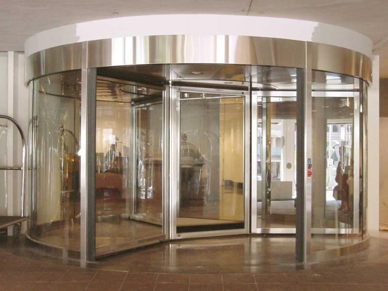 Стеклянные двери в интерьере современного дома, фурнитура для стеклянных дверей, установка стеклянных дверей своими руками