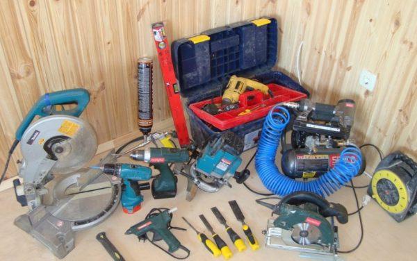 Инструменты для установки двери