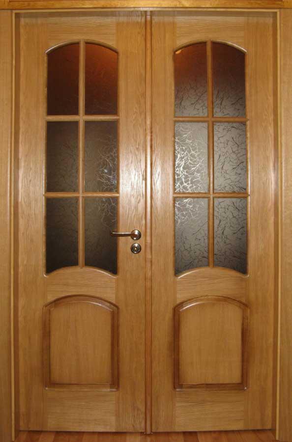 Распашная двустворчатая дверь с притвором