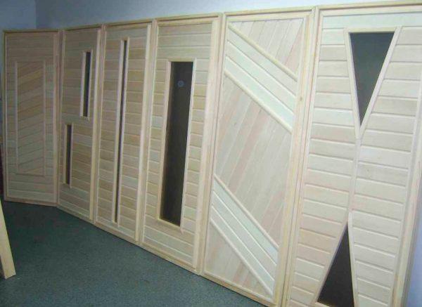 Неокрашенные двери из массива осины