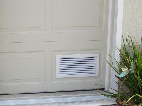 Решётка для вентиляции на двери в ванную