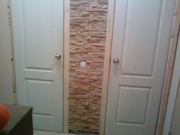 Узкие двери в туалет и ванную