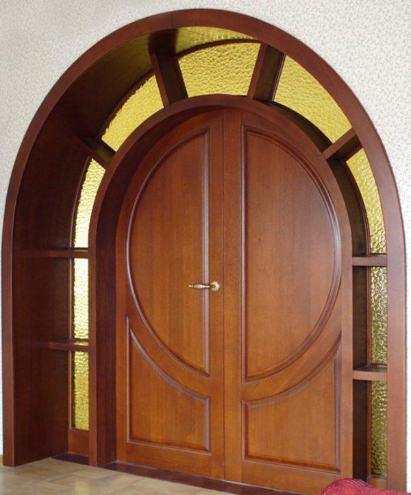 Арочная дверь из МДФ со стёклами