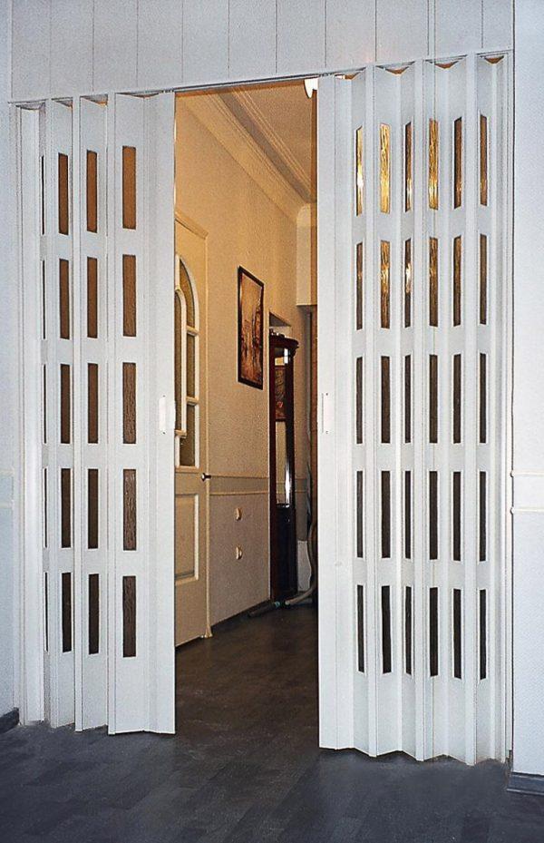Дверь-гармошка из пластика