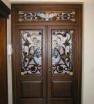 Роспись на двустворчатой двери