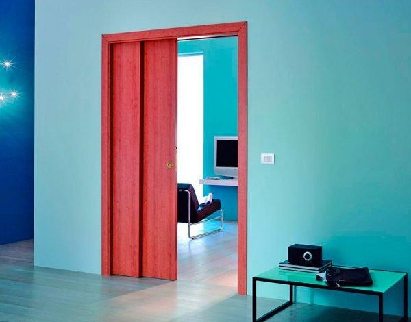 Яркие кассетные двери в комнату