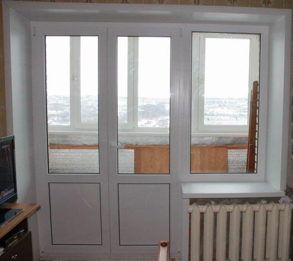 Комбинированная балконная дверь