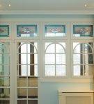 Балконная дверь с витражами