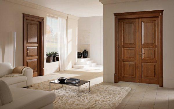 Деревянные полотна дверей в интерьере