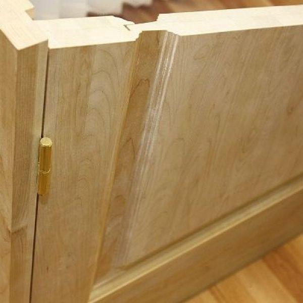 Дверь из цельной древесины в разрезе
