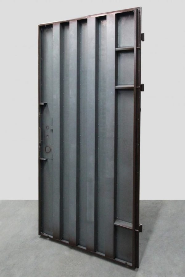 Рёбра жёсткости сейф-двери
