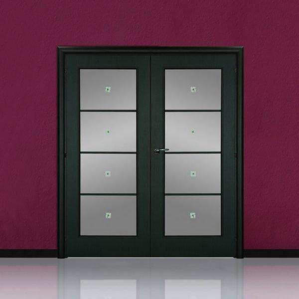 Вариант двустворчатых дверей со стеклом