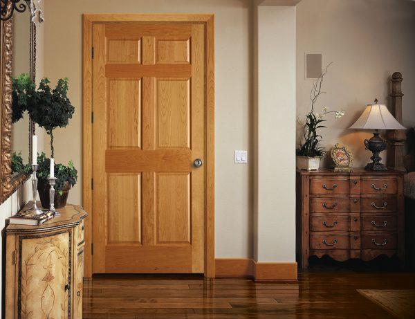 Деревянная одностворчатая дверь