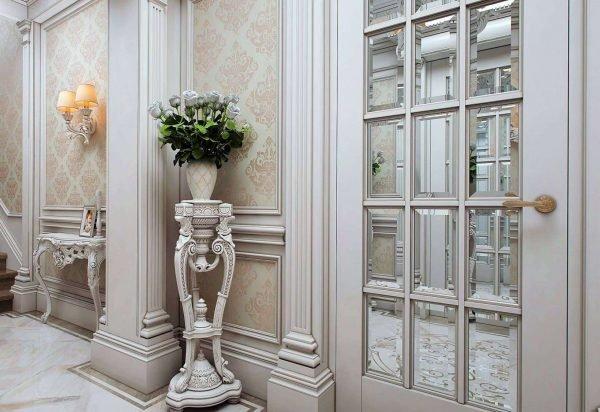 Двери с фацетированным зеркалом