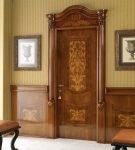 Лакированные двери из дуба