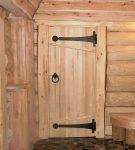 Банная деревянная дверь