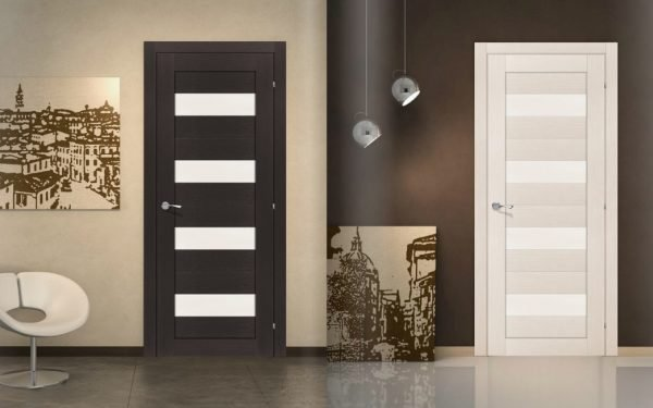 Контрастные варианты дверей правого типа