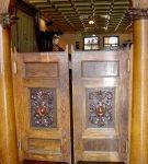 Барные деревянные двери